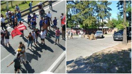 Trabajadores de Cresta Roja cortan autopista en reclamo de reincorporaciones