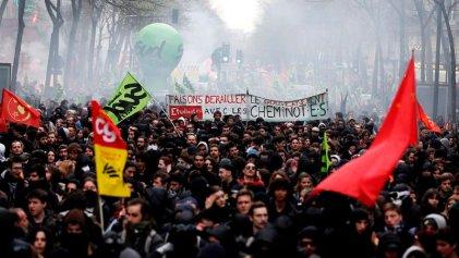 Macron reprime manifestaciones en apoyo a la huelga de los ferroviarios contra el ajuste