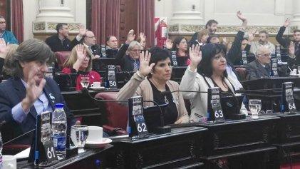 Legisladoras de Unión por Córdoba ganan 100 mil pesos y tienen beneficios en la luz
