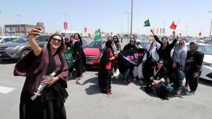 Las mujeres pueden conducir, tras los barrotes del brutal régimen de Arabia Saudí