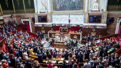 """Sin sorpresas: fracasan las mociones de censura contra Macron por el """"caso Benalla"""""""