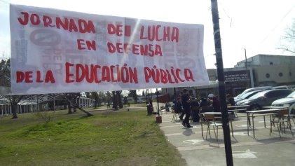 Berisso: comenzó la jornada de lucha en defensa de la educación pública en la Escuela de Arte