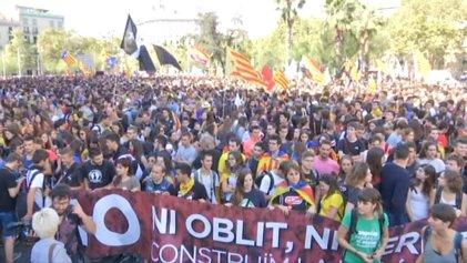 Cataluña amanece movilizada a un año del referéndum independentista