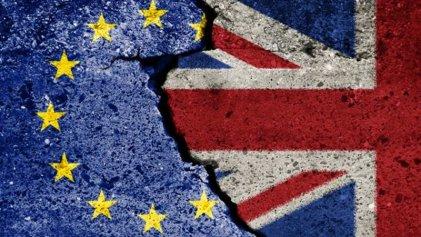 Caen las bolsas europeas por temores ante el Brexit