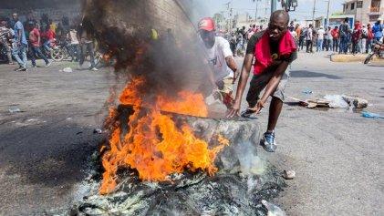 Al menos dos muertos en represión a protestas contra el Gobierno de Haití