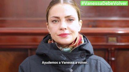 #VanessaDebeVolver: Amnistía lanzó campaña para que regrese la joven peruana separada de sus hijos