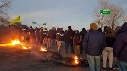 Zárate: cortaron el acceso a Atucha contra el despido de más de 80 contratados