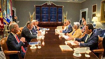 Califica Ebrard de amistosa y positiva la reunión con Mike Pence