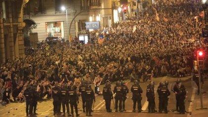 Cataluña se moviliza contra la prisión a los dirigentes independentistas