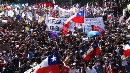 Cientos de miles se movilizaron en todo Chile en la sexta jornada de lucha