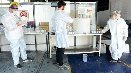 Además de la producción de sanitizante de alcohol y mascarillas en Madygraf elaborarán barbijos