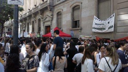 Trabajadores de salud protestarán contra la ley de emergencia de Larreta