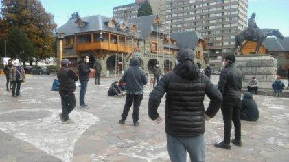 Concentración de gastronómicos, hoteleros, temporarios y eventuales en Bariloche