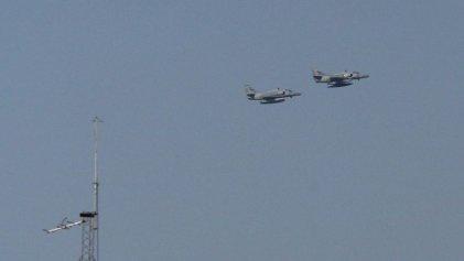 Alarma en Rosario: la Fuerza Aérea sobrevoló la ciudad justo a 65 años del bombardeo a Plaza de Mayo