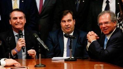Bolsonaro quiere extender las leyes que facilitan suspensiones y recortes salariales
