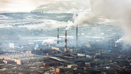 Por segunda vez minera rusa Nornickel derramó hidrocarburos en el Ártico
