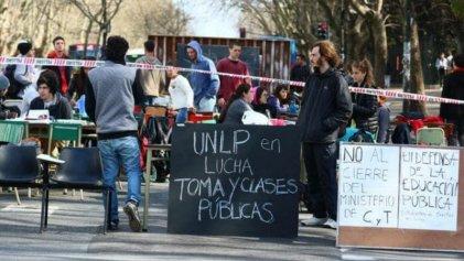 UNLP: ¡los estudiantes en unidad nos ponemos de pie para enfrentar esta crisis!