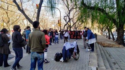 En Mendoza, trabajadores de la educación suplentes exigen la emisión de bonos de puntaje