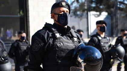 Más poder a los que reprimen: fuerza especial de la Bonaerense llegó a Escobar