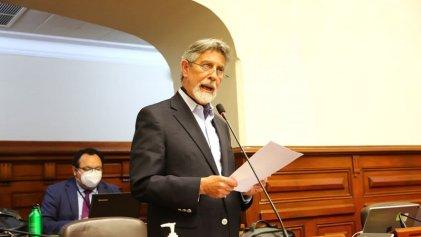 El Congreso peruano busca salir de la crisis votando al centroderechista Francisco Sagasti como presidente