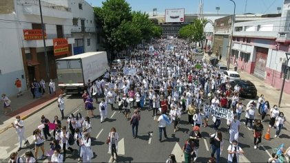 """Viernes de marcha y acampe de la salud: """"Necesitamos unidad, paro y plan de lucha hasta ganar"""""""