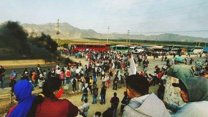 Protestas de trabajadores agrarios se extienden en Perú y muere un trabajador en la represión