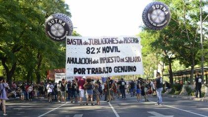 El SUTNA encabezó marcha al Congreso Nacional