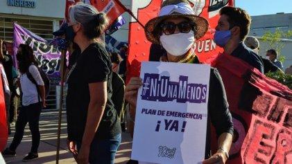 En la apertura de sesiones legislativas de Neuquén las mujeres exigieron plan de emergencia