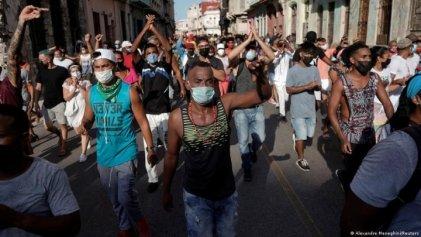 Diálogo con Alejandro Schneider sobre la situación en Cuba