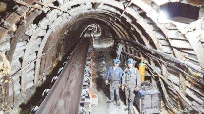 Continúa paro de mineros en Altos Hornos de Coahuila