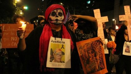 En México, marchan 'catrinas' en contra del feminicidio