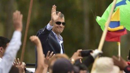 Rafael Correa vuelve a Ecuador en medio de la crisis de su partido