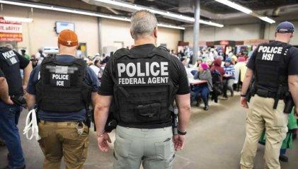 Arrestan en Misisipi a 680 inmigrantes en la mayor redada en una década