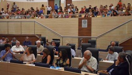 Del Frade y Ciudad Futura hicieron una audiencia en apoyo a la política de Perotti en seguridad