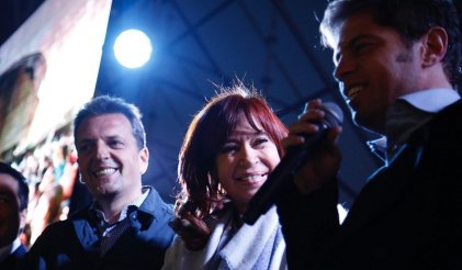 """De """"traidor"""" a """"héroe"""": Cristina Kirchner presentó su libro junto a Sergio Massa"""