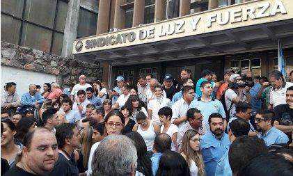 """Trabajadores de EPEC paran por 48 horas: """"La empresa pagó solo una parte de los sueldos"""""""