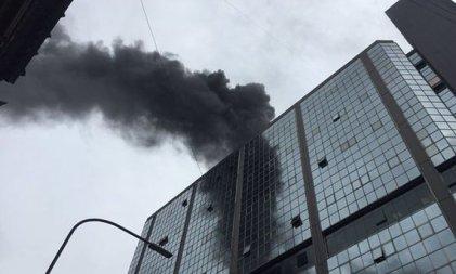Evacúan el anexo del Congreso por feroz incendio
