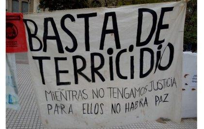"""Caminata de mujeres indígenas: en Bahía Blanca resonó el grito """"Basta de Terricido"""""""