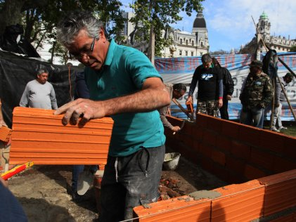 Reclamo de excombatientes de Malvinas en Plaza de Mayo