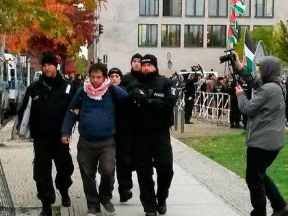 """Policía de Alemania arresta a judíos por """"antisemitismo"""""""