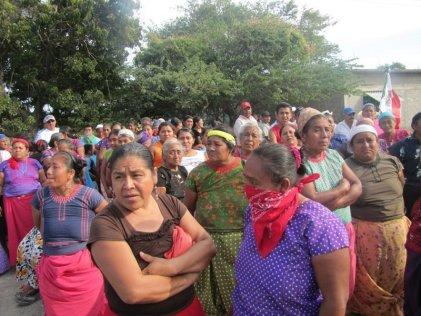 """Zapotecos en Oaxaca informan que el gobierno puede """"robarse la ayuda humanitaria"""""""
