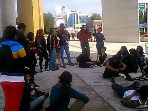 Concentración en Naucalpan contra los feminicidios es acosada por la policía