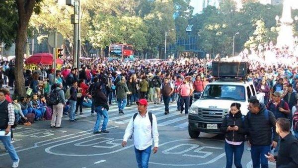 Marcha CNTE en repudio a sexenio de EPN y para fijar postura ante López Obrador