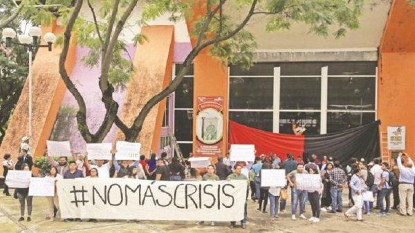 """El ataque de la SEP para el """"rescate"""" de las universidades en quiebra"""