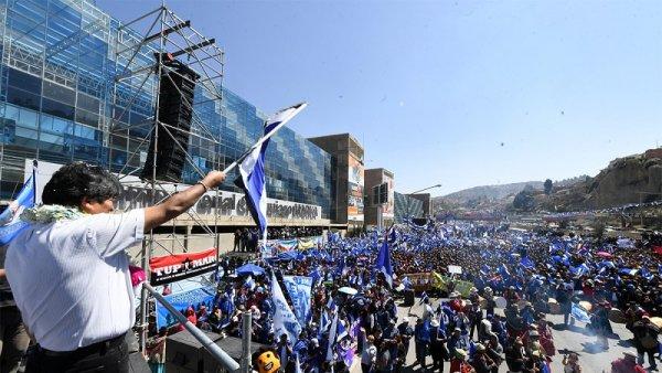 """Evo Morales: """"Los empresarios me dicen 'estoy ganando más que con mi partido'"""""""