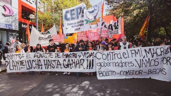 UNLP: fortalezcamos centros de estudiantes democráticos, independientes y de lucha