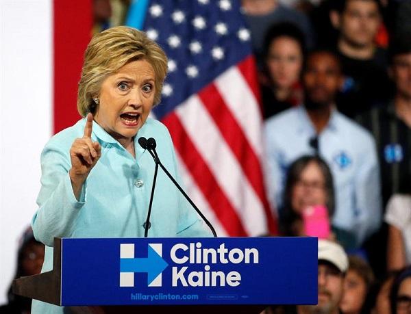 Con escándalos y renuncias arranca la convención demócrata